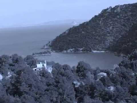Σιδερώνα: Το νησί των βρυκολάκων, στοιχειώνει ακομα τον Σαρωνικο!!!