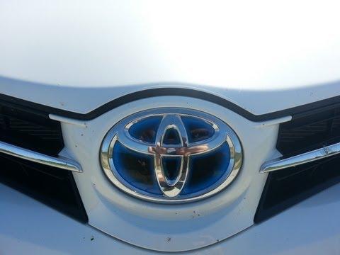 Toyota Auris Hybrid 2013 Test / Review / Walkaround