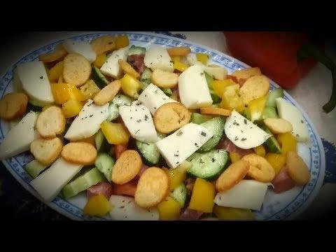 Очень вкусный - Салат с сыром Моцарелла и СУХАРИКАМИ!