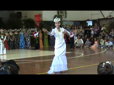 Waimea Elementary School's May Day Queen for 2010