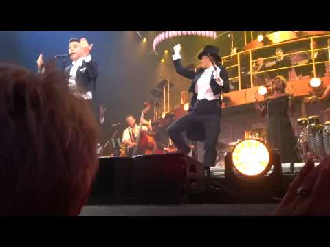 Robbie Williams - Puttin On The Ritz (FRONT ROW) - 22-Sept-14 Brisbane HD