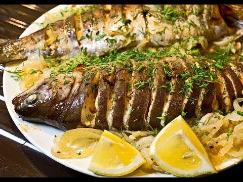 Рыба по-холостяцки на луковой подушке