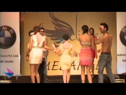 Clique Milange 2013, At Jalsa Indore Fastion Show (mujhe To Teri Lat Lag Gai) video