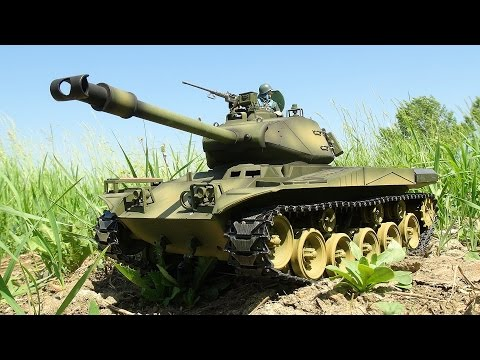 RC ADVENTURES - US M41 Walker Bulldog Airsoft Radio Controlled Battle Tank (Taigen)
