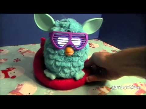 Furby 2012 Review, Part 2 - The Accessories! Furby Frames, Lounge Chair, & Carrier! by Bin's Toy Bin