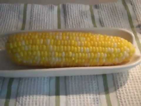 how to cook corn in the microwave video