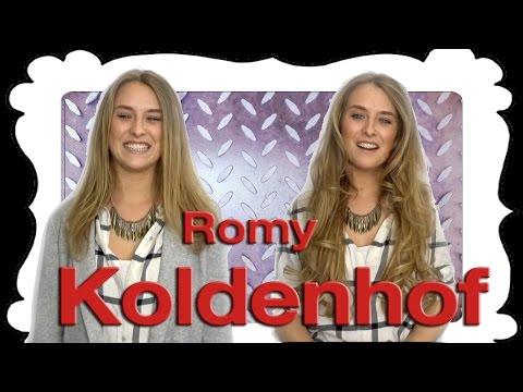Romy Koldenhof van Utopia krijgt bij Sylvia Bruens nieuwe hairextensions.