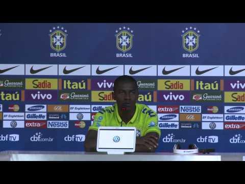 Meia elogia Luiz Felipe Scolari