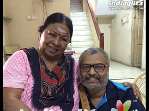 Comedy Actor Vivek Gets The Blessings Of Aachi Manorama | Hot Tamil Cinema News video
