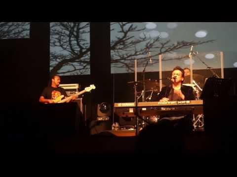 download lagu Adnan Sami Live Concert Leicester Bhar Do Jholi Meri gratis