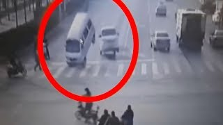 5 Strangest Things To Ever Hold Up Traffic!