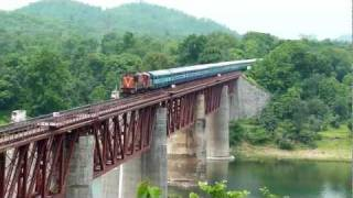 Howrah WDM-3A glides over massive Tawa bridge!!!