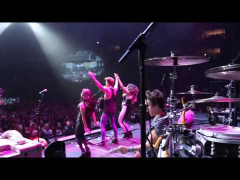 The Vamps feat. Fifth Harmony - Somebody To You (Live on The Austin Mahone Tour)