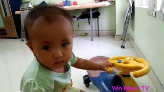 Đồ chơi trẻ em 👉 bé chơi xe lắc ♥Yến Moon TV ♥