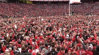 Ohio State fans storm field after Buckeyes beat Michigan 30-27