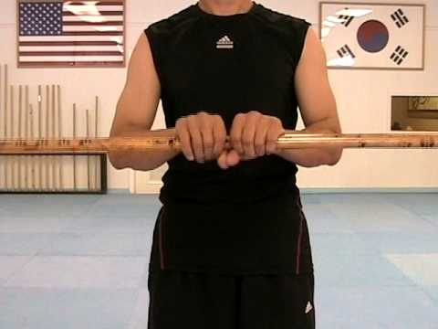 Taekwondo: Martial Arts Bo Staff Techniques # 6 : Spinning Movement (taekwonwoo) Image 1