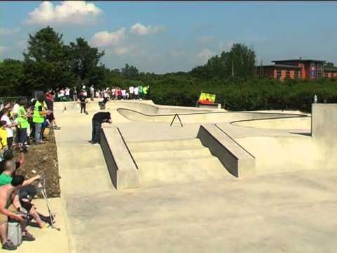 DANNY WAY & COLIN MCKAY Skateboarding PLAN B Demo AT SAFFRON WALDEN