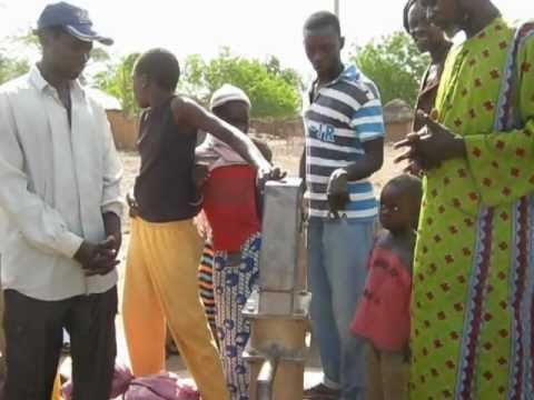 Gambia Lifewater Project - 5-13-12 - Sinchu Njabo Post - Water Charity - Jeremy Mak