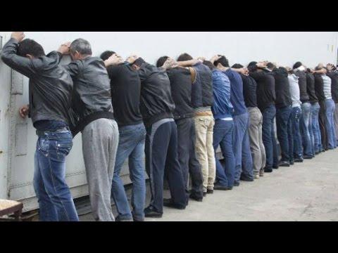 """В Узбекистане арестовывают вернувшихся мигрантов, обвиненных в """"Исламском государстве"""" / ИГИЛ/ДАИШ"""