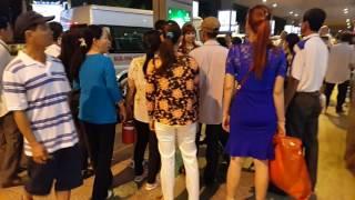 Tân Sơn Nhất Airport, đón Việt Kiều, đêm 25 tháng Chạp, Tết Đinh Dậu
