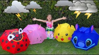 Sofia and Favorite Toys and Dolls have fun plays with Colored Umbrellas