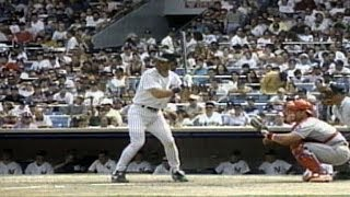 TEX@NYY: Mattingly hits a home run, fans throw hats