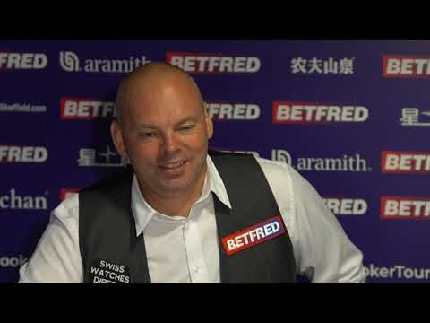 Bingham Fends Off Debutant Carty To Reach Last 16 | Betfred World Championship