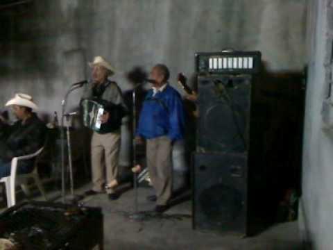Amador Lozano Belmares interpretando Mi Ranchito