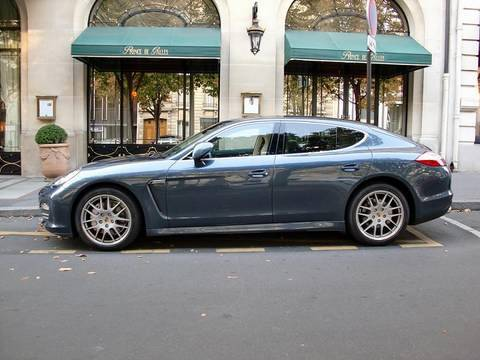 Porsche Panamera 4S : Ugliest car ever? Video