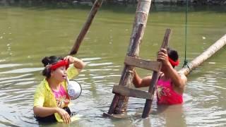 Hội đình làng đi cầu thùm xem đi xem lại 100 lần vẫn cười đau bụng