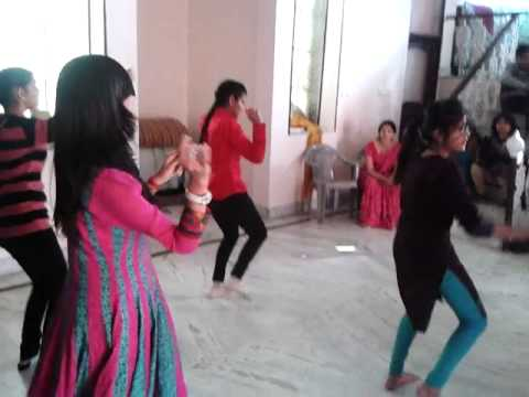Chhamak Chhallo + Jhalla Wallah + Second Hand Jawani: Dance Training By Deepak Negi video
