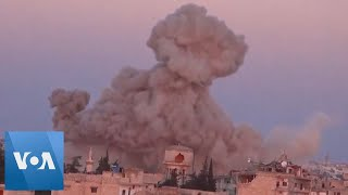 Syria Government Aircraft Drops Barrel Bomb on Village Southeast of Idlib Province