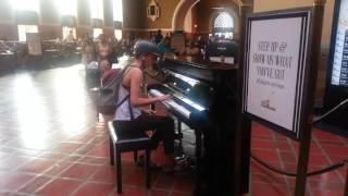 驛站過客+洛城歸人+單車少女 Piano Solo 09/27/16 @ Los Angeles Union Station