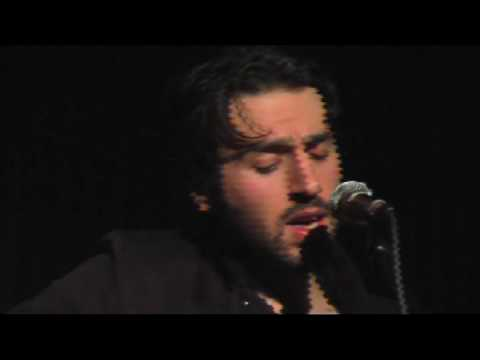 Ari Hest-I Can't Make You Love Me-Tupelo Music Hall 09 Video