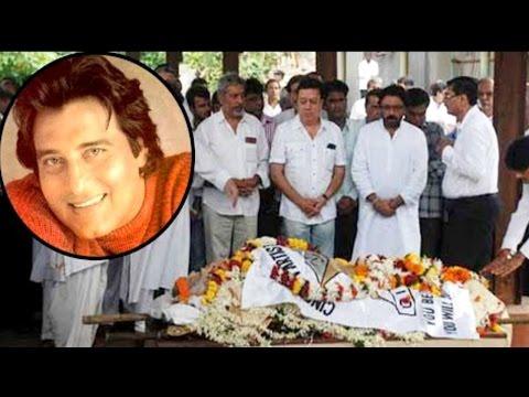 नहीं रहा मन का मीत... लंबी बीमारी के बाद विनोद खन्ना का 70 साल की उम्र में निधन thumbnail