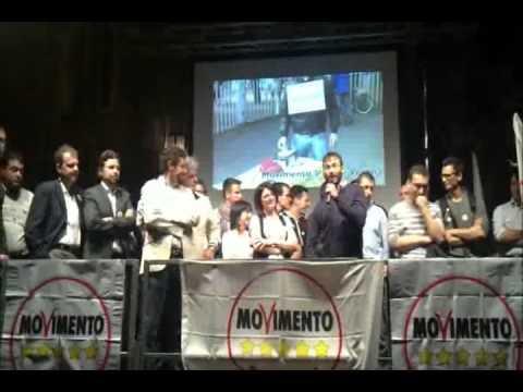 Beppe Grillo a Verona – Piazza dei Signori 28-04-2012  Parte 4 di 4 – I candidati si presentano