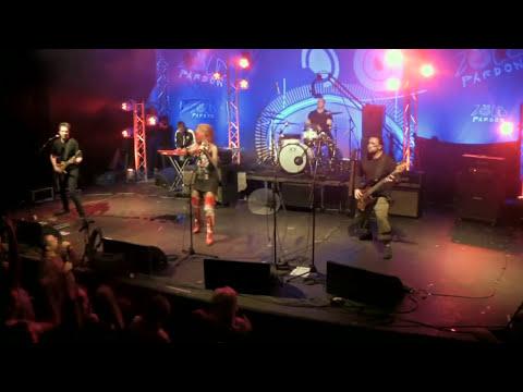 Anna and the Barbies - Ördögre kacsintva - Live @ ZP [1] [HD]