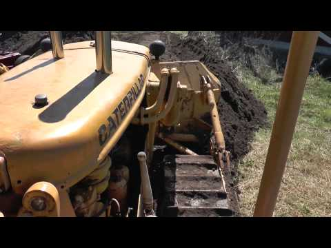 An old Bulldozer CATERPILLER D6 with nice sound 2013
