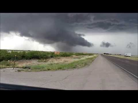 Brief Tornadoes South Of Artesia, NM 6 8 2014