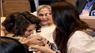 Download Kangana Ranaut KISSES Aishwarya Rai's Hand At The National Awards Event 3Gp Mp4