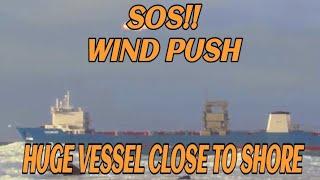 LASH-fartøyet Tide Carrier ved Feistein Fyr og Sele Havn