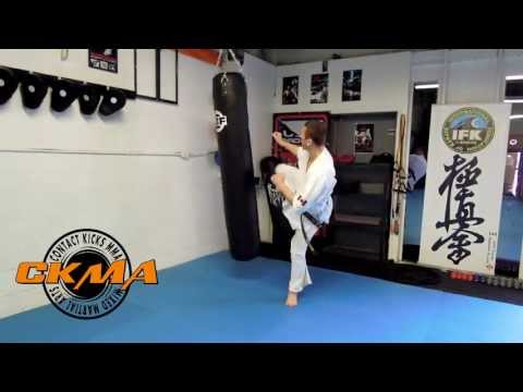 Karate Kyokushin heavy bag training Image 1