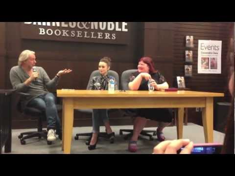 "TMI ""City Of Bones"" Q&A With Lily Collins, Cassandra Clare, And Harald Zwart"