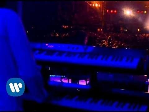 Melendi - El Informe Del Forense (Live)