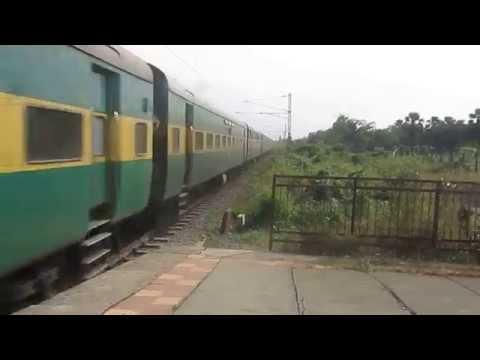 Indian Railways: Diesel Engine Fury... Bandra - Delhi Garib Rath..!