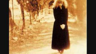 Watch Loreena McKennitt Carrighfergus video