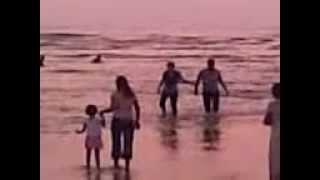 Tujhe aksa beach ghuma doon