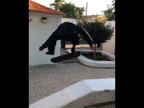❤ @tiagolemoskt 🇵🇹 📲: @wiltonskate @dgalli @thaynancosta @vl_1000 | Shralpin Skateboarding