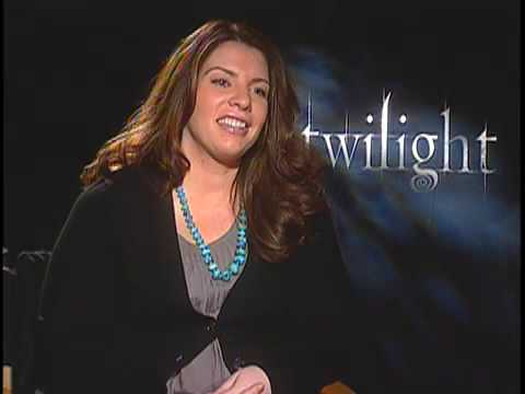 Stephenie Meyer talks to host Andrew Freund