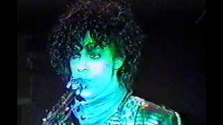 Prince & The Revolution -Computer Blue Live First Avenue `83